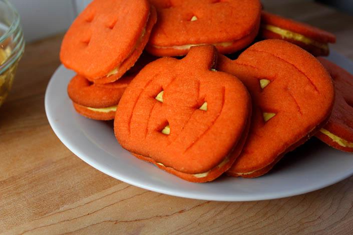 Jack O'Lantern Sandwich Cookies